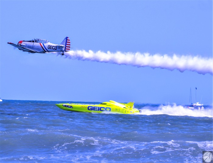 Geico Sky Typer and Racing Boat (3)