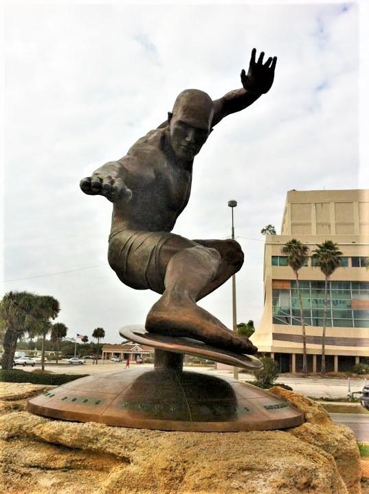Kelly Slater Statue